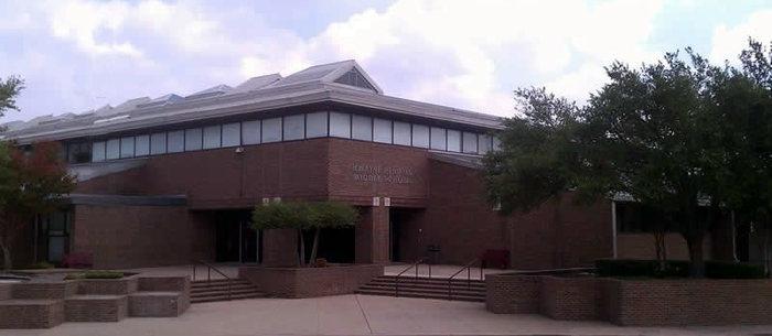 Schools & Facilities / Hendrick Middle School Landing Page