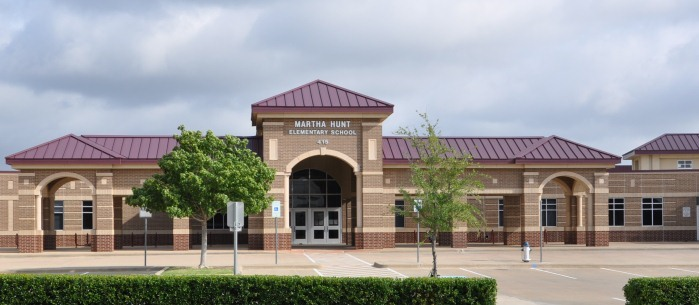 Hunt Elementary School front entrance
